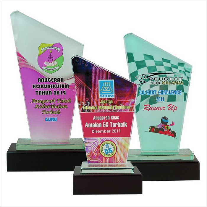 8094 - Exclusive Crystal Glass Awards