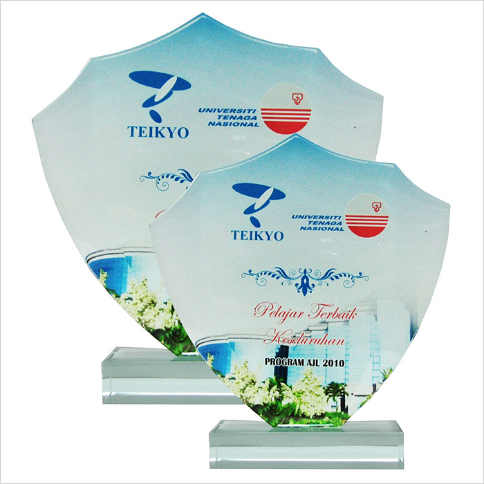 8136 - Exclusive Crystal Glass Awards