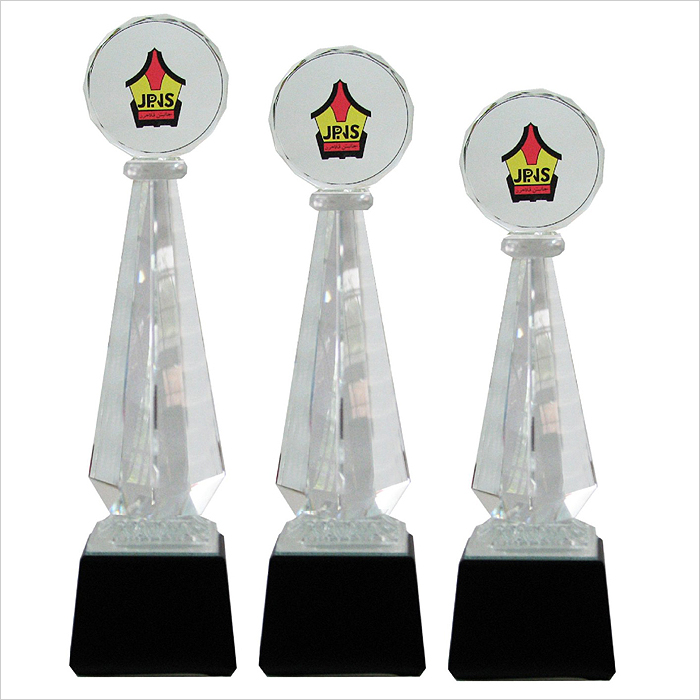 8125 - Exclusive Crystal Glass Awards