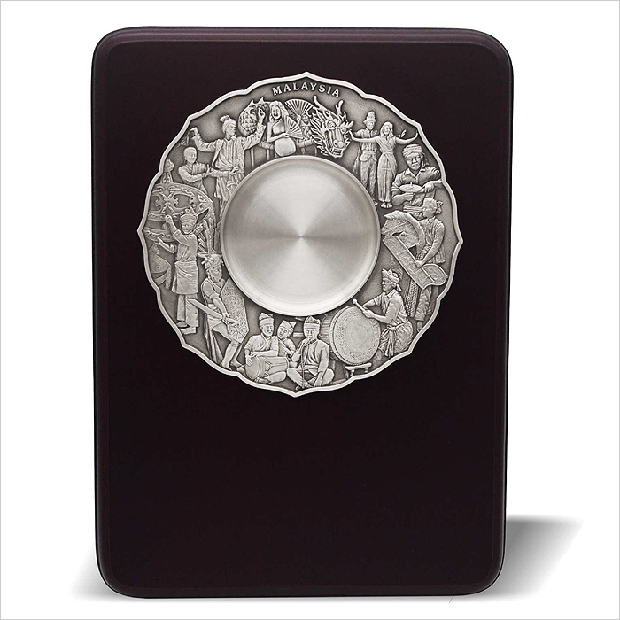7236 - Wooden Plaque With Cultural Dance Pewter Plate
